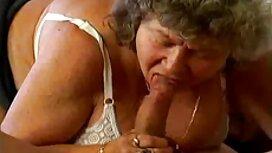 عوضی روسی دستور داد یک لیس یک کسل تصاویر سکسی از کوس برای یک پسر