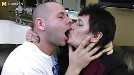 بلوند بیدمشک در خال کوبی های بدن تصاویری از سکسی ، اسباب بازی و دیک مرد را مک می کند