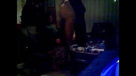 با پوشیدن دکمه های دکمه ای از دوست پسرش ، یک استرپون ضخیم بر روی باسن ، عوضی عوضی قرار داد و به سختی در دهان و الاغ خود لعنتی کرد و سرانجام عکس سکسی از التا اوشن یک بطری را در الاغ خود قرار داد.