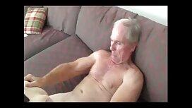 Bitch در حالی که نوک پستانش را نوازش می کند ، روی یک دوربین تصاویر متحرک از سکس مخفی فیلمبرداری می شود