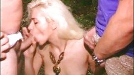 مادر بیدمشک یک ناپدری جوان را می خورد و تقدیر عکس سکسی از سینه زنان می خورد